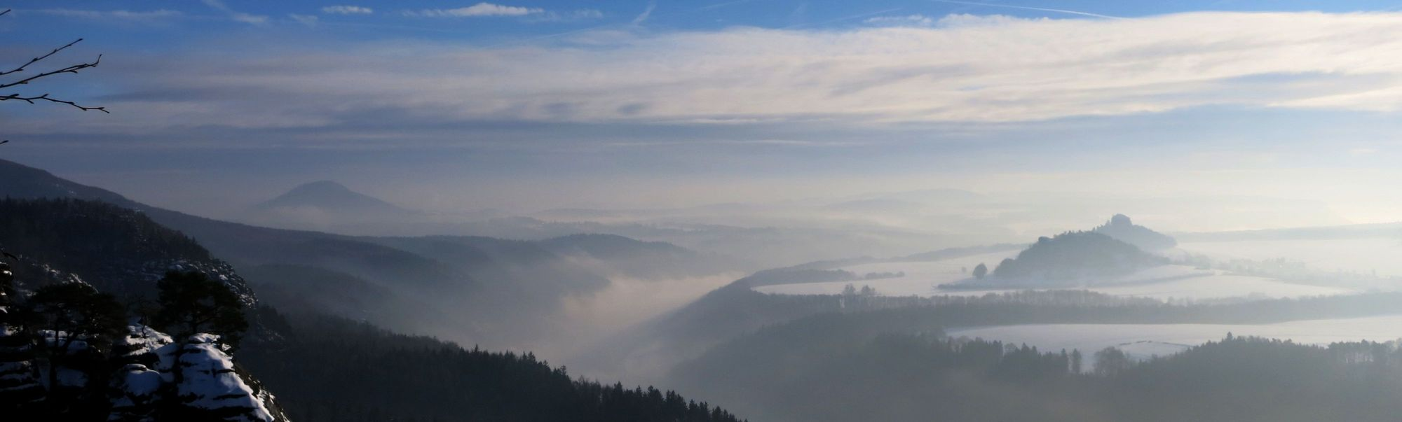 Schrammsteinaussicht: Elbtal und Zirkelstein