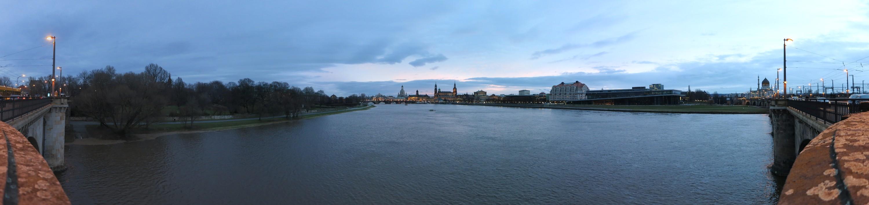 Elbe von der Marienbrücke im Janura 2015
